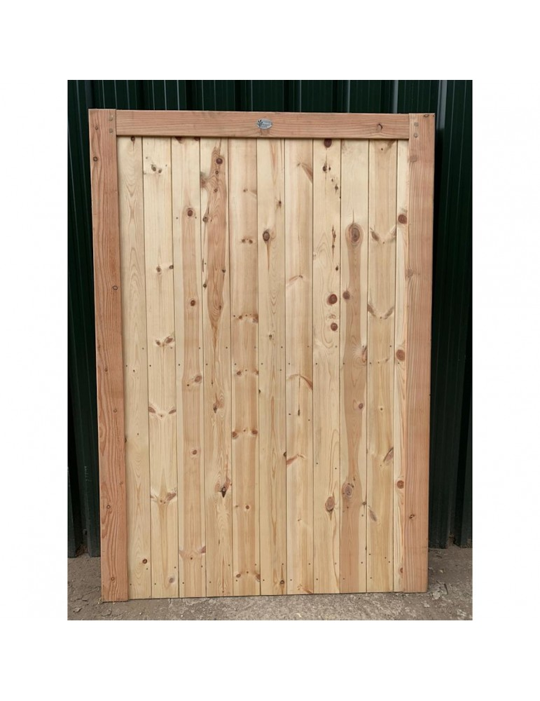 Douglas Fir/English Larch Closeboard Gate with a Flat Top - Front View
